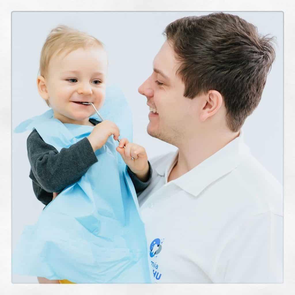 stomatolog dziecięcy Konrad Zarod